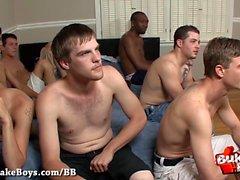 Bareback y Cum para Nasty Boy - Bukkake Boys