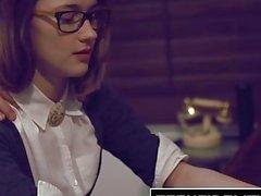 TEENFIDELITY - Schulmädchen Cutie Alaina Dawson Creampied Auf Dem Schreibtisch