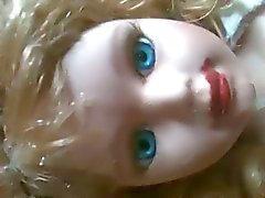 18 Jahre alte Puppe gebunden Haus