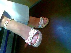 I piedi maturo nei panni di candida