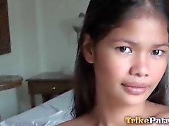 Atemberaubenden philippinische Teenager wird durch Weißer durchgefickt creampied