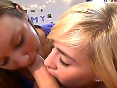 Pulcini di gay amano reciprocamente