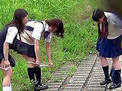 【JAPÓN】 peeing peeping pii pis colegiala linda