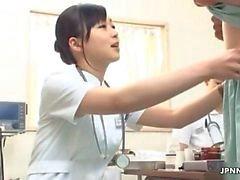 Сексуальная медсестра протирает петухом по JPNNurse