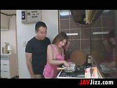 Giapponese di babe ama scrivere in Nella Cucina