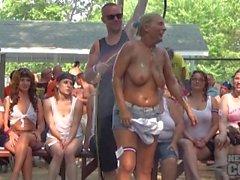 Nackt ein poppin 2014 Amateur wet t Wettbewerb