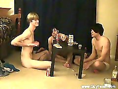 Orgía gay Trace y William se unen con sus nuevas frien