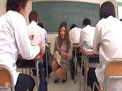 Japanse leraar krijgt een les Part1 ... F70