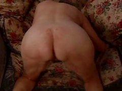 Brune granny veut que orgasmes naturels velues