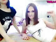 Sexy tgirl par de mamadas en la webcam