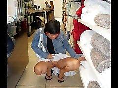 SEXE PUBLIQUE Drôle de shopping en ass974