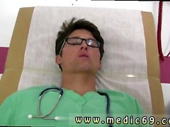Tıbbi genç siyah erkek gey prostat sihirli değnek koydu