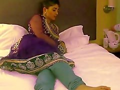 indian mistress use lesbian feet slave