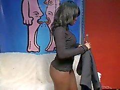 Zwarte tiener Conchita geneukt en spuiten