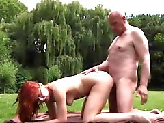 Asian massage older man Ping pong'un bakire oyunu