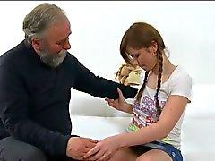 Impudente teenager acquisisce sua piccolo figa inculata da di età bellimbusto