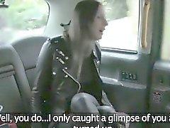 Arka koltuğuna hile bir sürücü tarafından berbat Azgın bir ev kadını