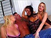 Kolmen bisexual tytöille saa munaa Lee Vanha iso kova kalu