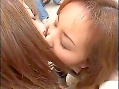 Beso lesbiano 008 de