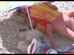 Spiaggia voyeur sesso Coppia naturista