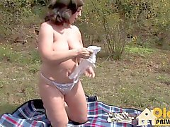pornografia oldie Outdoor