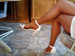 Lisas legs in new heels