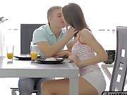 Täydellisen SL Zarina analed kun aamiaisen