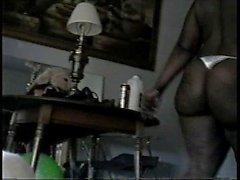 Vallattomaksi aikuinen Mustat Women Niistä Night osa 6 - Cushy Tushy