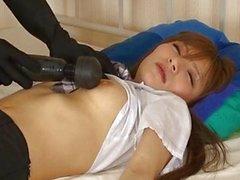 Menina de sono asiáticas bonitos recebe