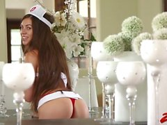 Enfermeira Tiffany Doll Takes Big Dick