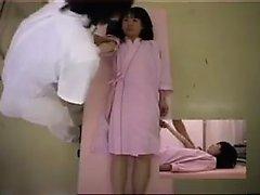 Behaarte Pussy Mädchen gefangen auf versteckte cam