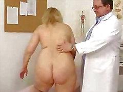 Blond mollige MILF Fotze durch Arzt sucht