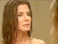 Sandra Bullock en Chelsea Handler Naked Shower