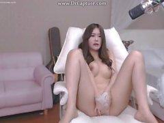 Hot Korean BJ webcam Chica Rubs Pussy y Masterbates