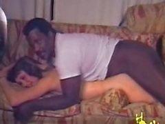 Zwarte man voegt zich bij een paar