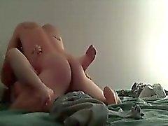 Titt babysittern behöver viss uppmärksamhet