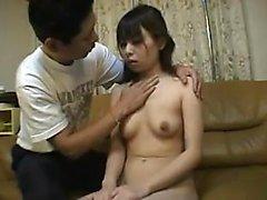 namorada amador Asian dá um blowjob pov HD