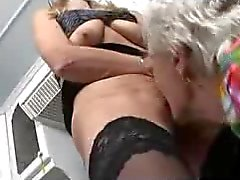 Francesi maturo e Mela Granny toying in cucina