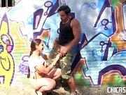 Chicas Loca - La tetona morena Marta La Croft follando en publico con Nick Moreno
