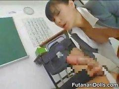 Asiática Futanari ninfomana Adolescentes !