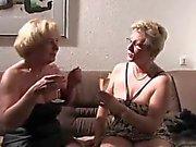 Di 2 donne mature godere del tempo insieme