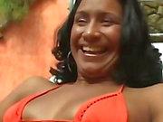 microfono al Brasile - ALESSANDRA MARQUES