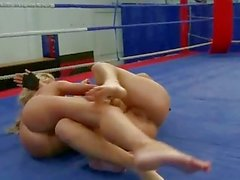Aleska Diamond vs Cristal May