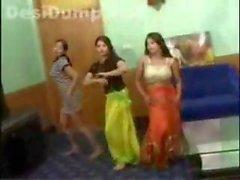 pakistani Jugendliche tanzen