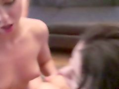 College Teen Lesben reibt Kätzchen