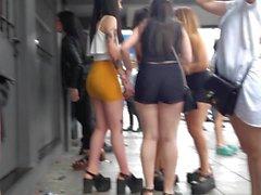 Upskirt minifalda für die Salida del boliche