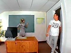Lehrer fucks einen Studenten