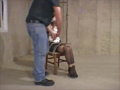Kämpfen auf einem Stuhl