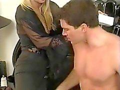 Colombie souillon Yvonne fait baiser les fesses au braquages