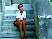 Зрелая женщина потирая Pussy атмосферного